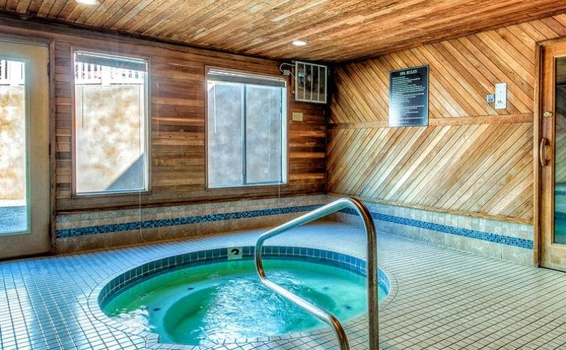 Indoor hot tub and sauna